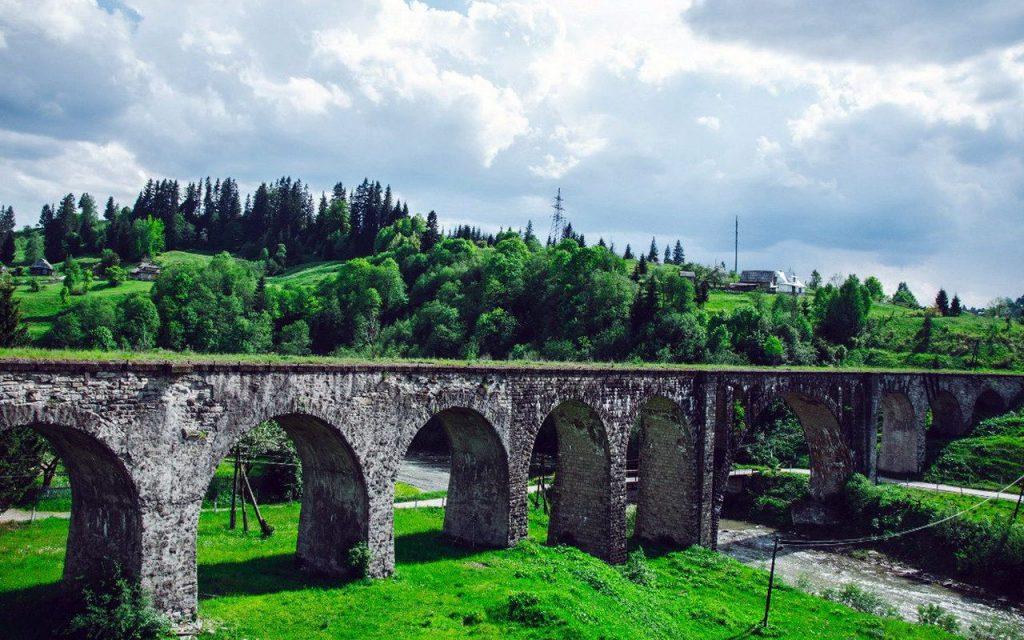 Старинный мост-виадук в Ворохте