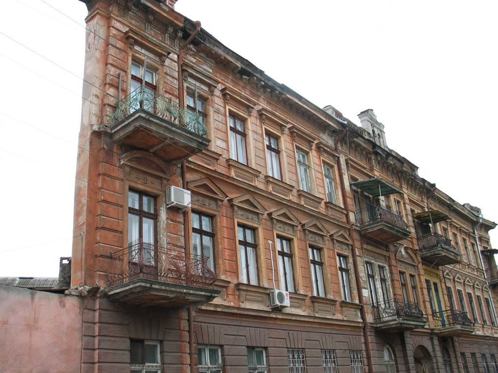 Плоский как доска дом-стена в Одессе.