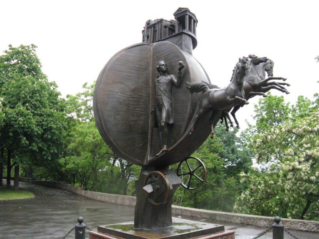 Памятник Апельсину, Одесса.
