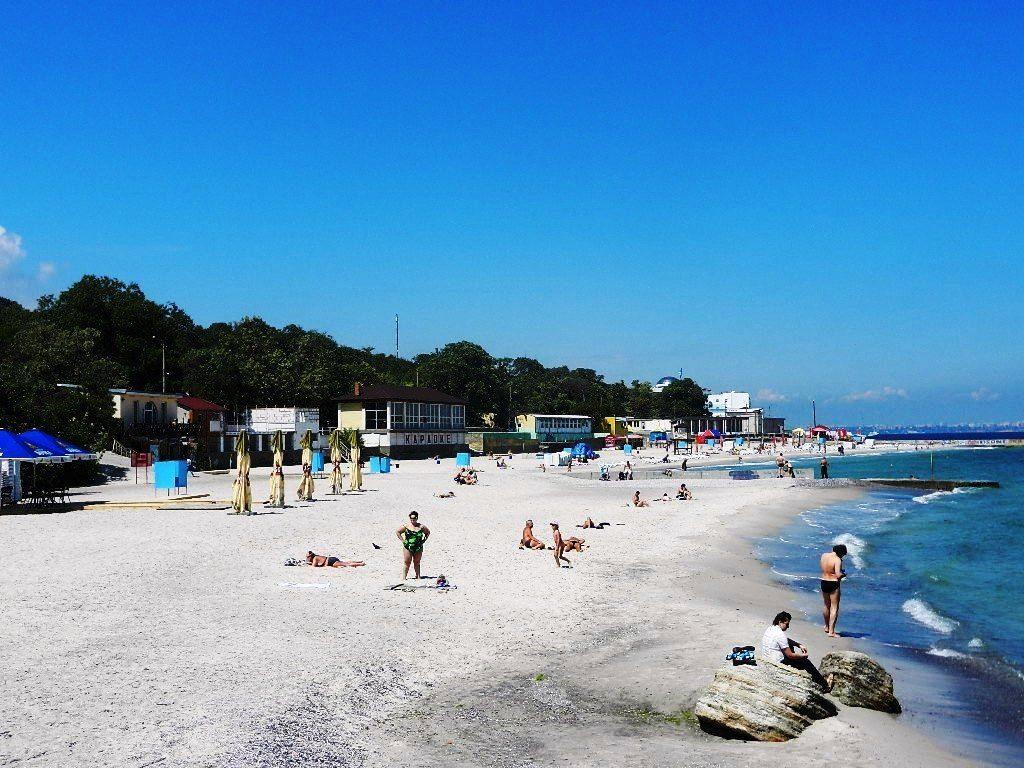 Но не одной архитектурой Одесса хороша — тут есть и колоритные пляжи.