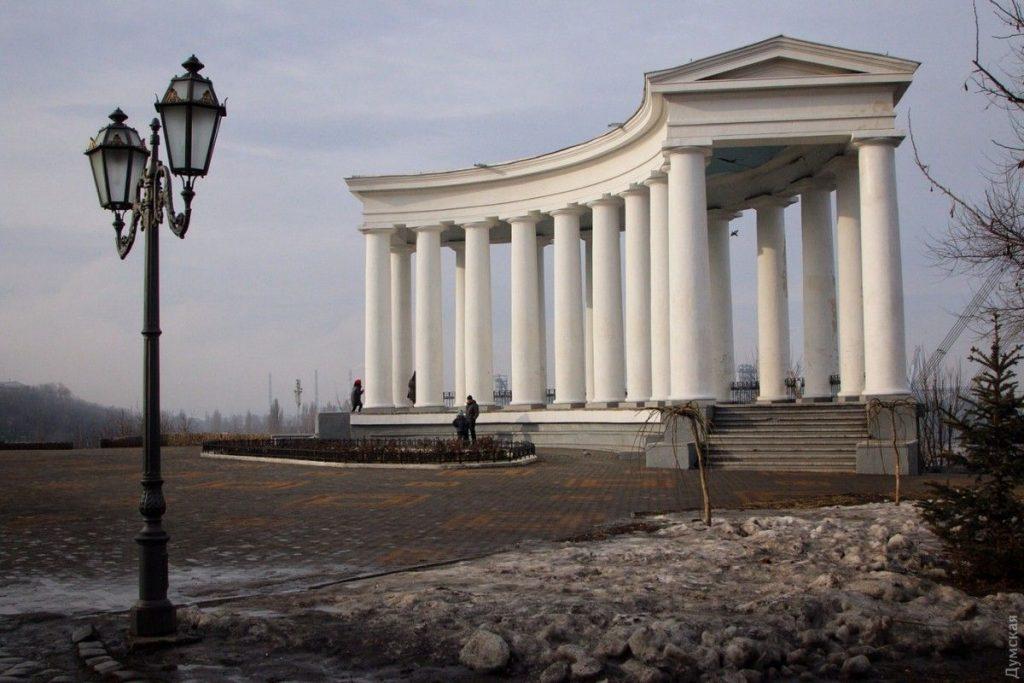 Воронцовская колоннада — профиль.