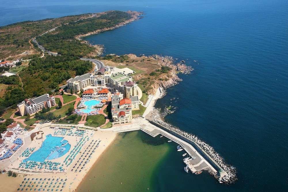 Marina Royal Palace в Дюни с аквапарком и песчаным пляжем – от 32 000 грн в начале августа: 6 ночей за троих (2 взрослых + ребенок) с питанием All inclusive и трансфером на автобусе.