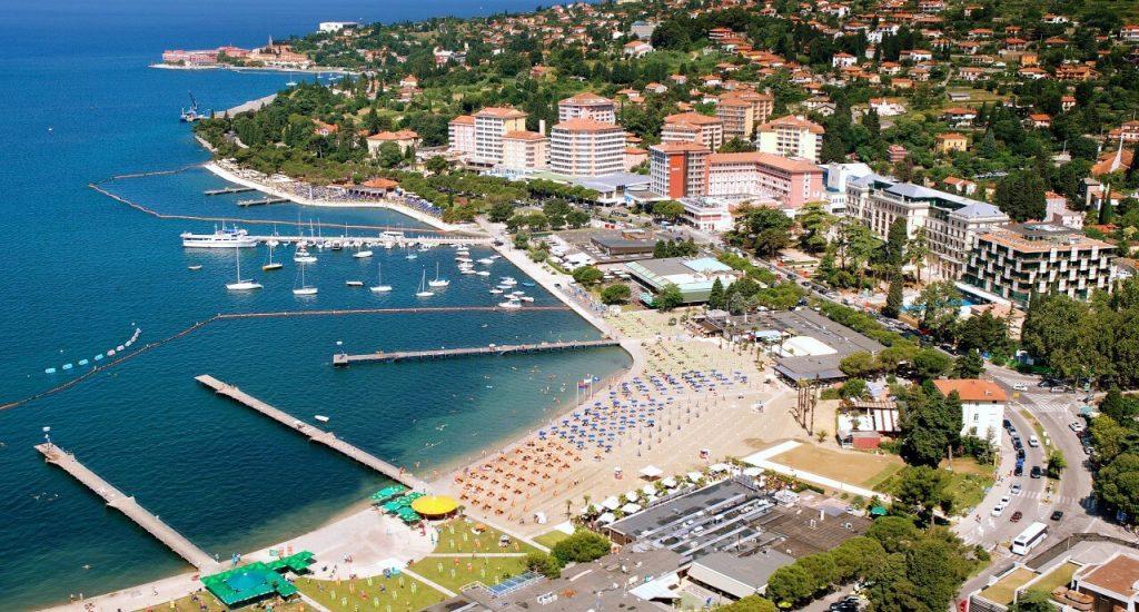 Порторож – самый молодежный и оживленный пляжный курорт Словении.