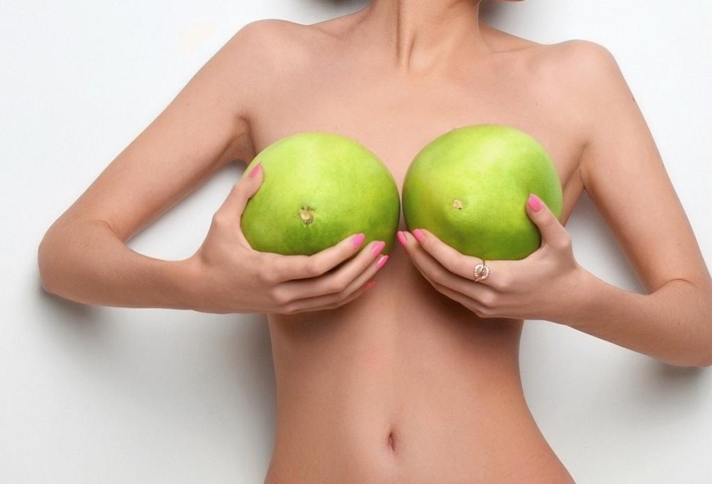 КАК УВЕЛИЧИТЬ ГРУДЬ ― увеличение груди без операции в домашних ...