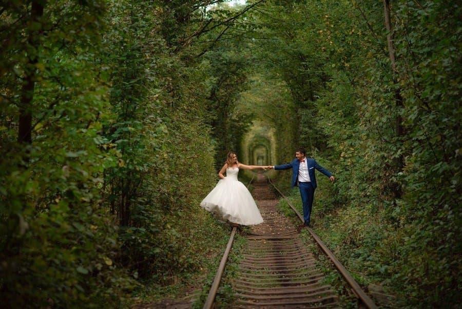 Фотосессии в туннеле влюбленных