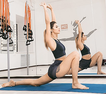 Упражнение для шпагата №6: выпады на одну ногу