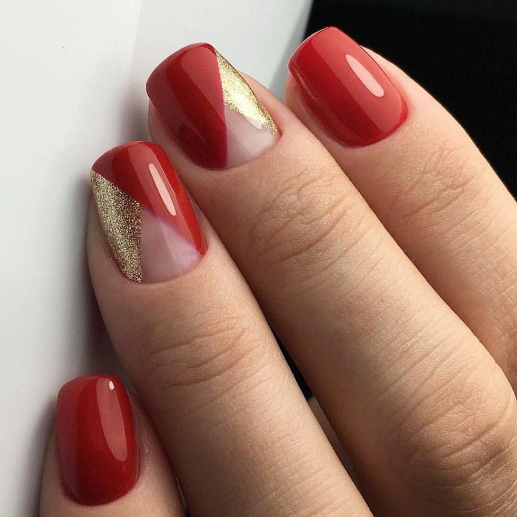 Оригинальный вариант прозрачной треугольной лунки путем наложения друг на друга двух цветов – красного и золотого