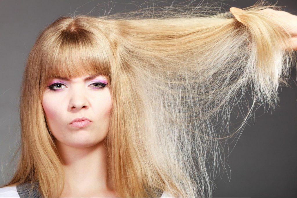 Довге слабке і тонке волосся краще регулярно оновлювати – зістригати неживі кінці