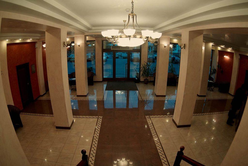 Холл отеля «Украина»