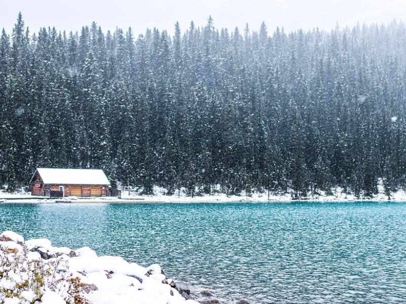 Пейзажи вокруг озера запомняться навсегда