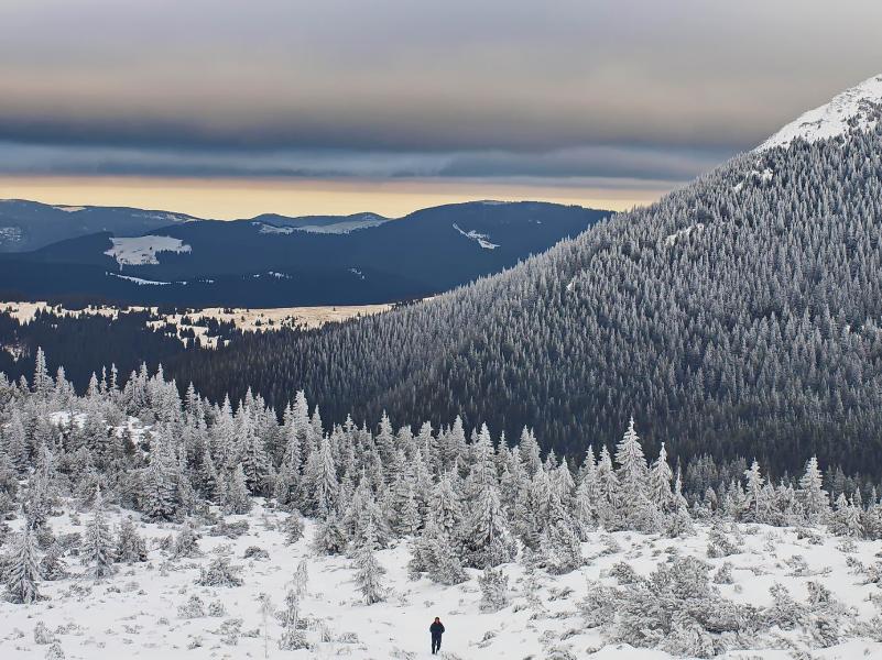 Зимой с гор открывается умопомрачительный вид