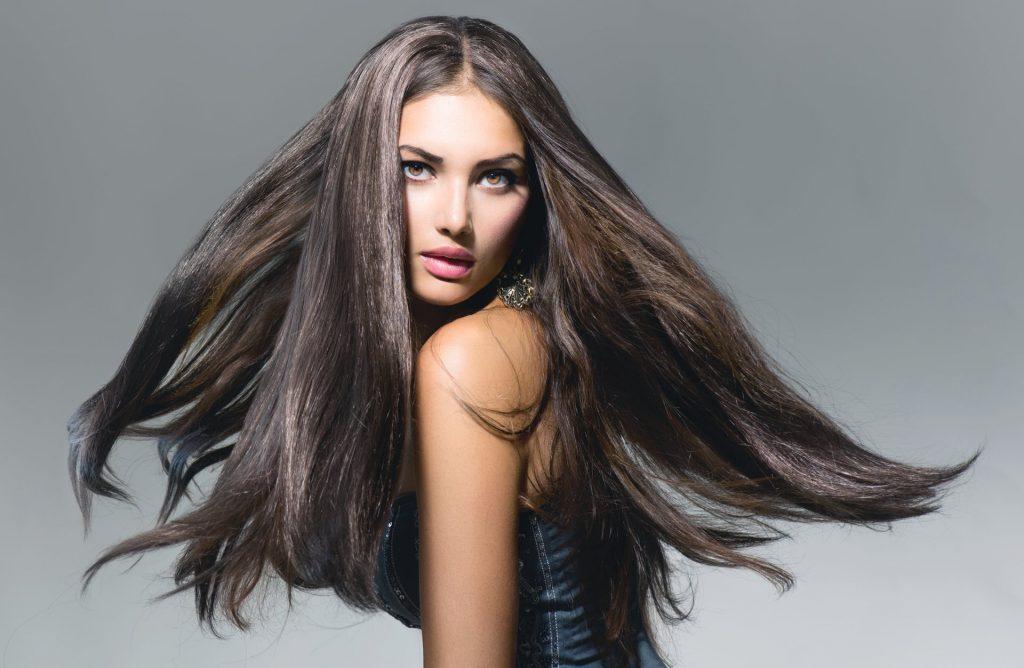 Довге густе волосся прекрасніе саме по собі
