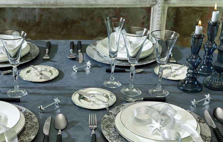 Сервировку стола к ужину