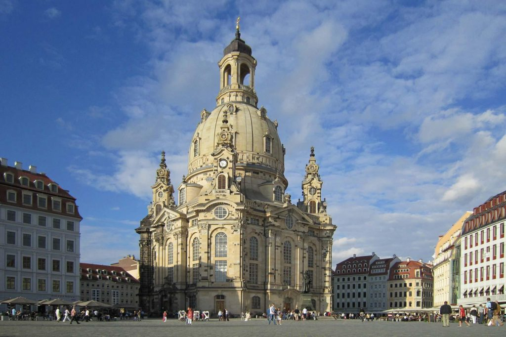 Дрезден: величний лютеранський храм Пресвятої Божої матері з сімома входами