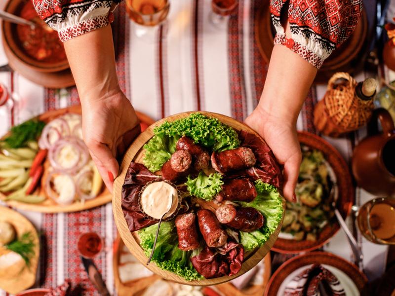 В Драгобрате в большинстве ресторанов предлагают украинскую кухню