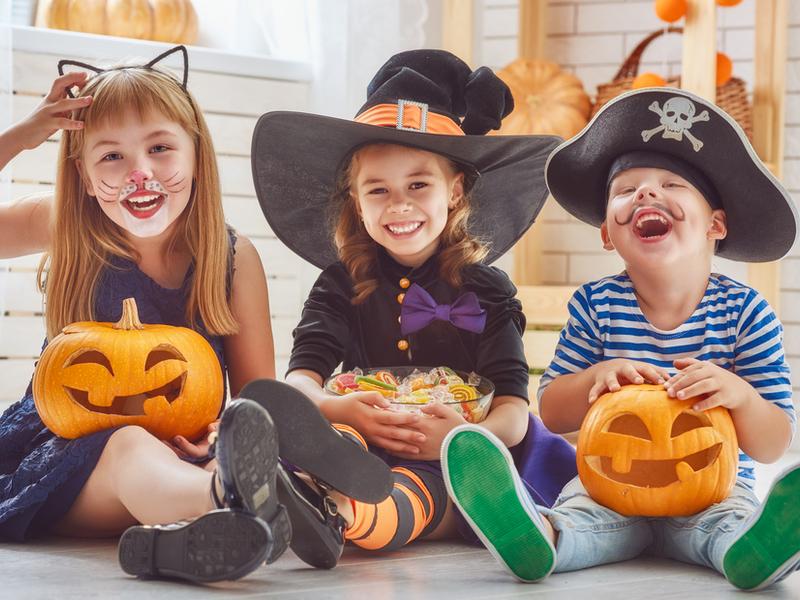 Костюмы и сладости ㅡ залог отличного праздника