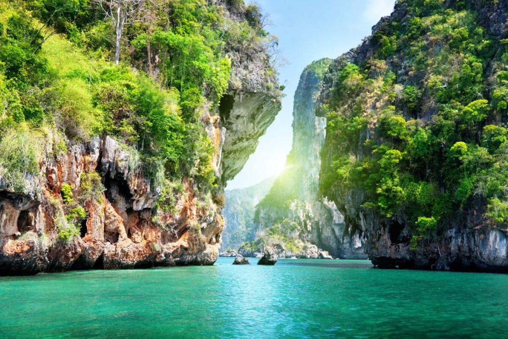 Крабі – таїландський курорт на узбережжі Андаманського моря