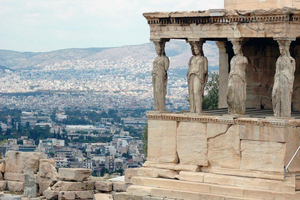 В Афінах у листопаді можна повною мірою насолодитися античною архітектурою Греції