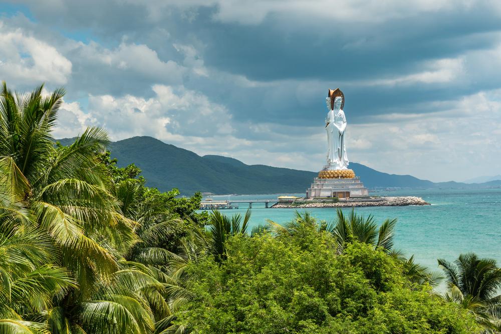 У листопаді на острові Хайнань тепло і можна купатися