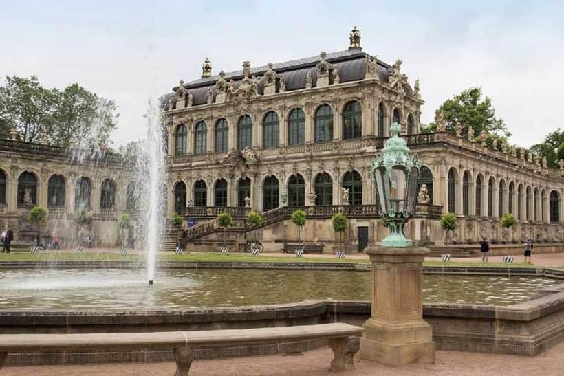 Дрезденський Цвінгер – ансамбль з 4-х будівель в стилі пізнього бароко і неоренесансу