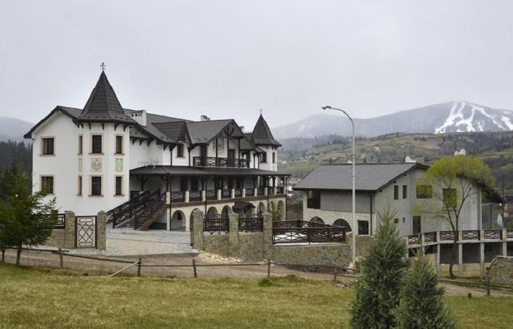 Отель «Двор Княжеской Короны»