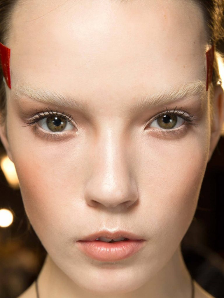 Модные брови: какие тренды актуальны в 2020 году
