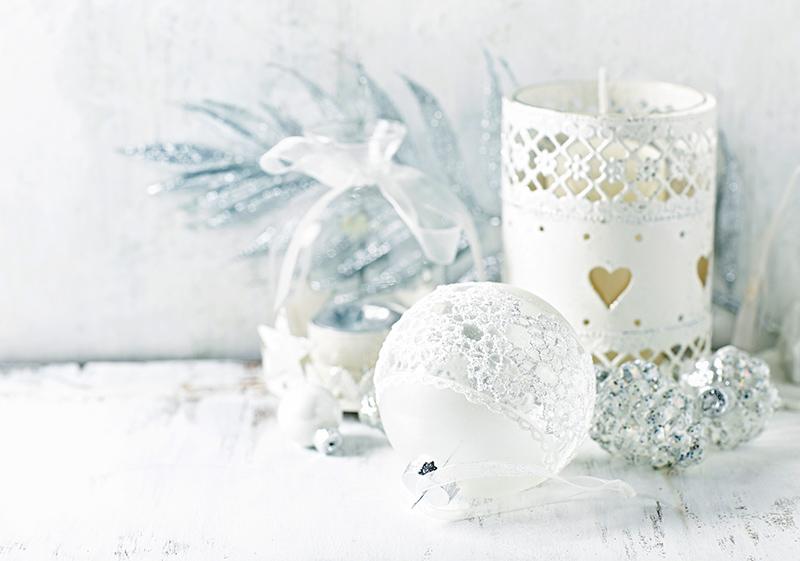 Белые предметы декора