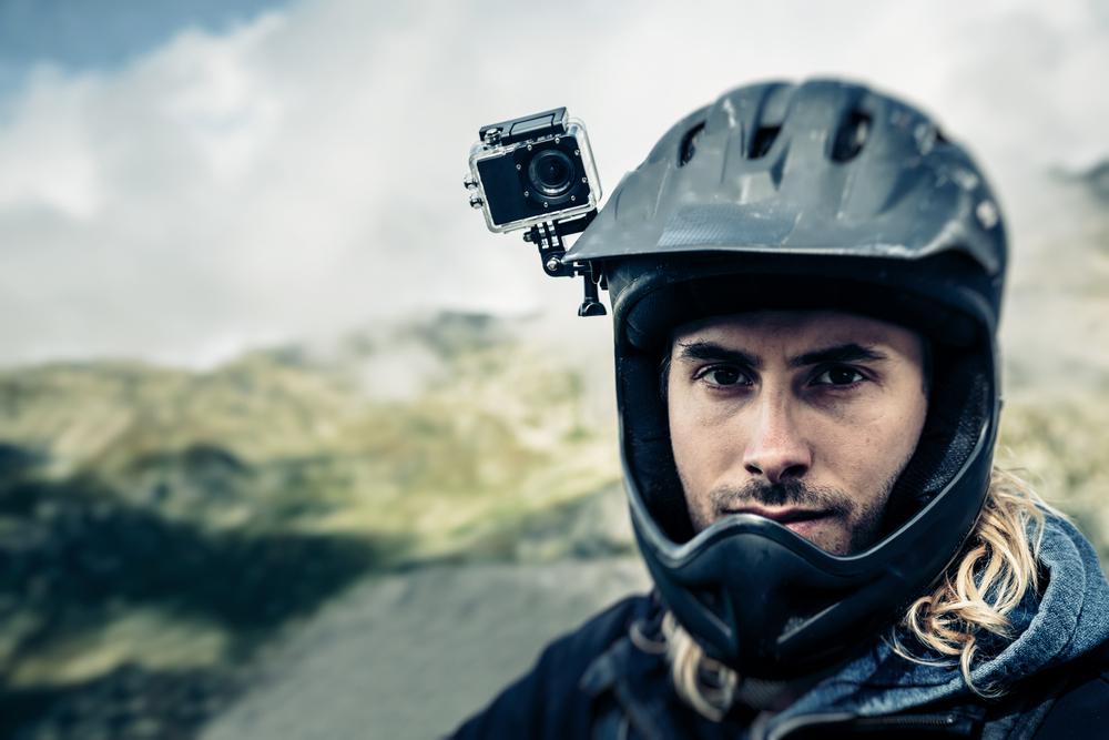 Экшн-камера на шлеме