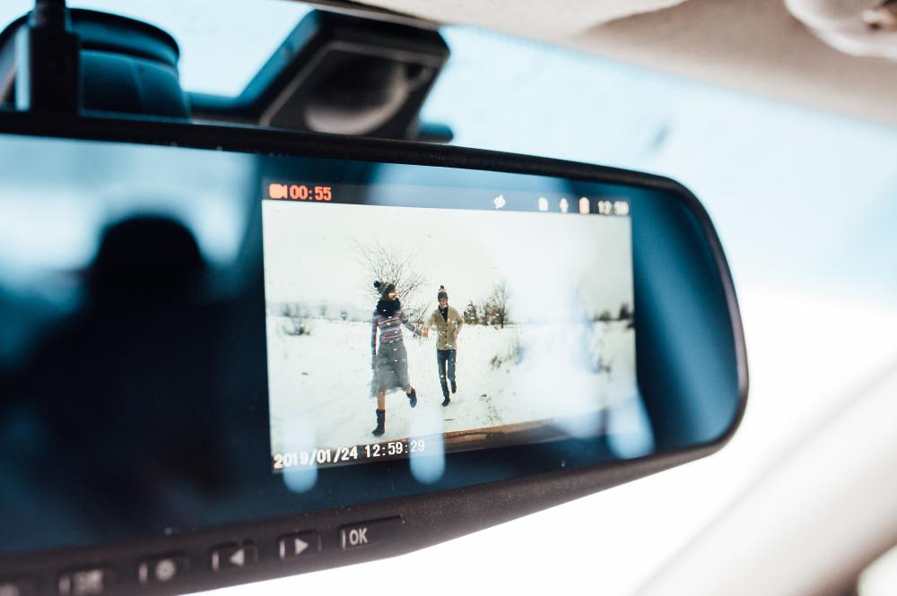 Видеорегистратор-зеркало