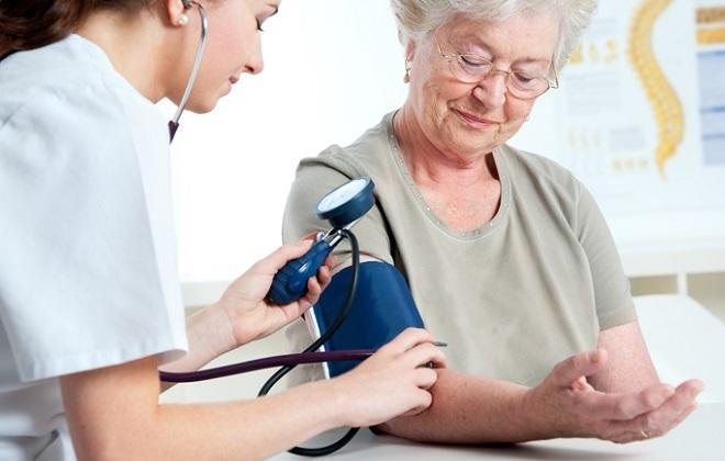 Низкое давление у пожилых людей