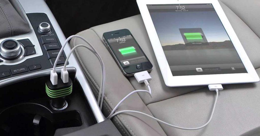 Автомобильное зарядное устройство позволит вам оставаться на связи