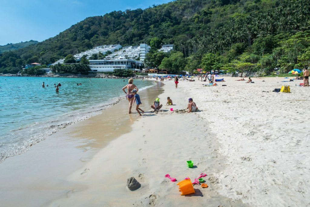 Пляж Най Харн на острове Пхукет