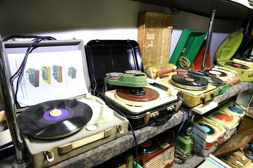 Многие аппараты из экспозиции Музея звука до сих пор работают!