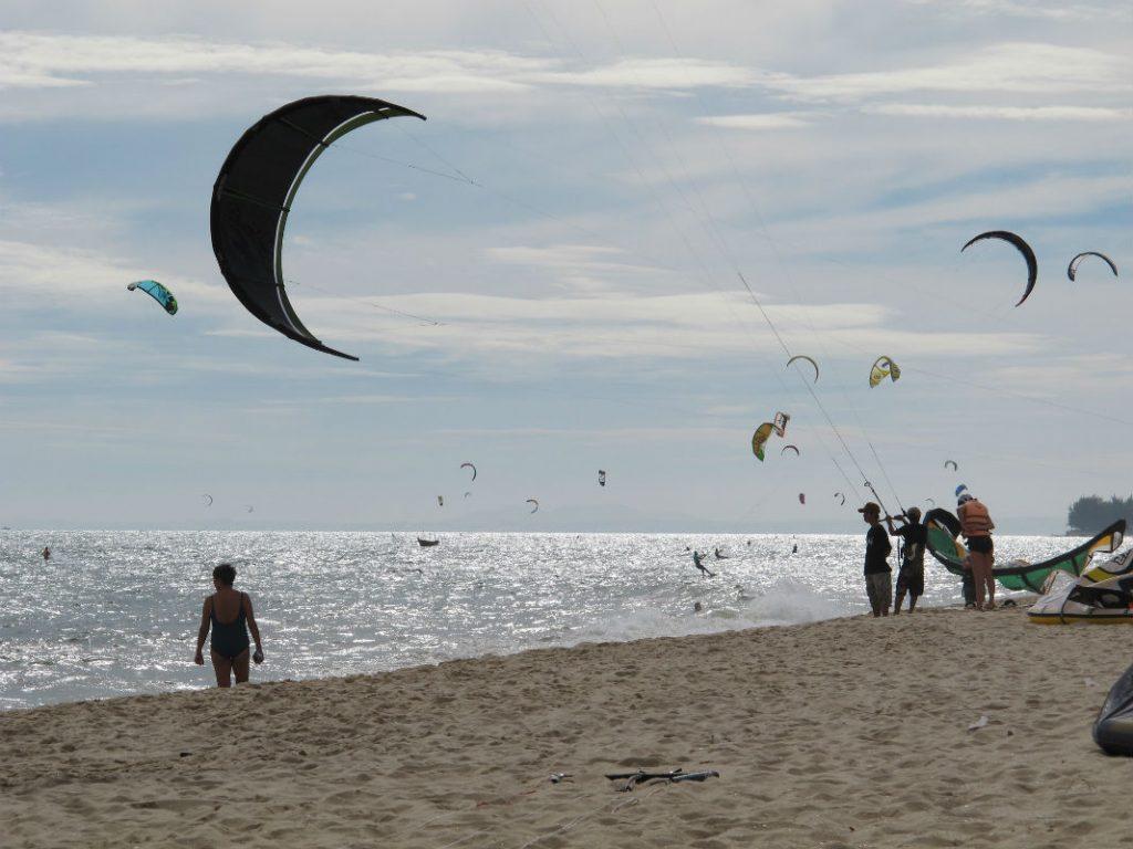 Водні розваги на пляжах Муйне