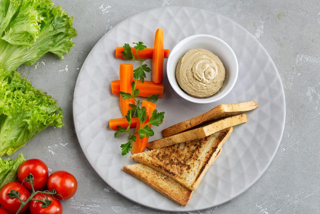 Рацион кормящей мамы для похудения должен включать здоровые продукты, не вызывающие колик у ребенка