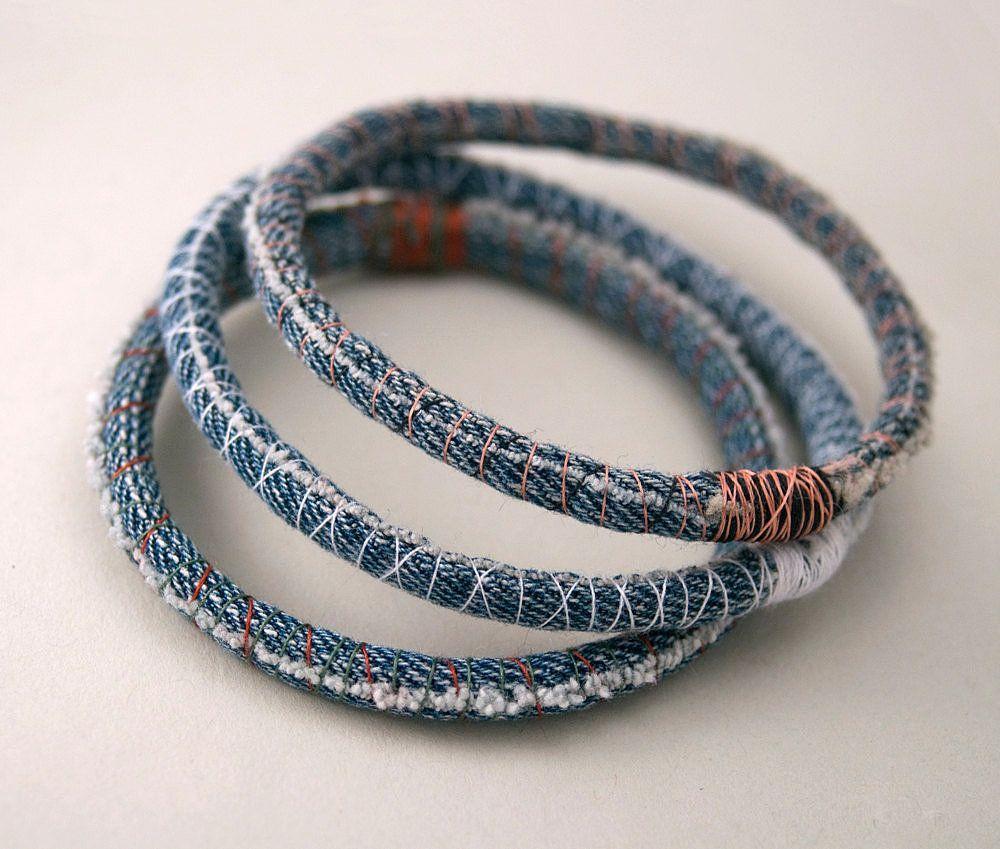 Джинсовые браслеты – супер-аксессуар для кэжуал-лука на лето