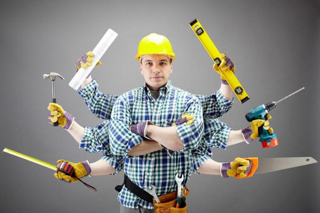 Чоловік з інструментами