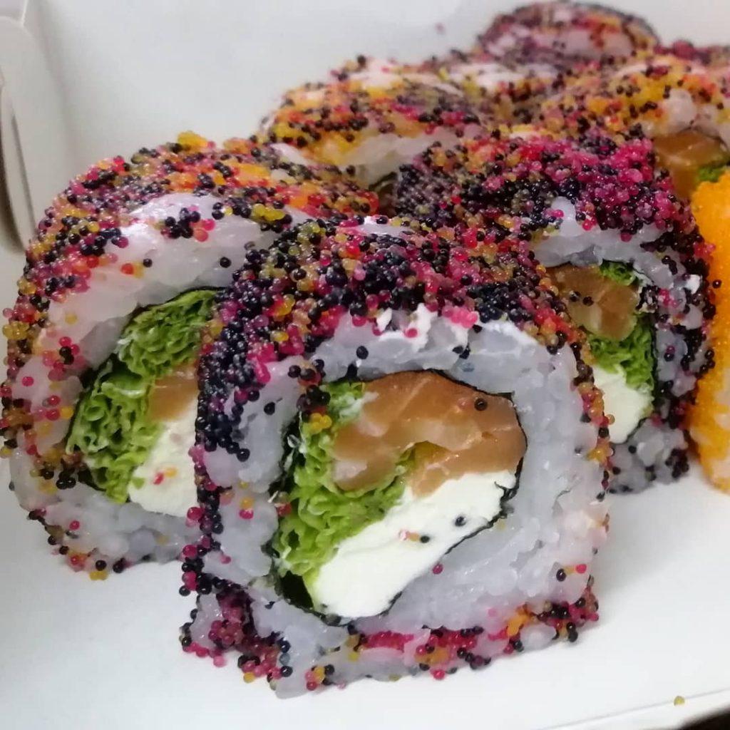 Приголомшливо смачні роли з ікрою від «Sushi for you»
