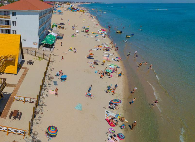 Пляж отеля «Блик» в Затоке