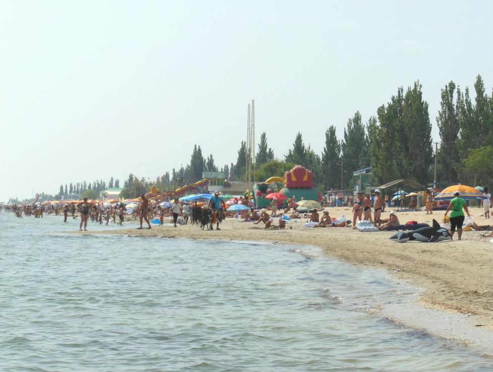 Пляж возле базы отдыха «Робинзон» в Генгорке
