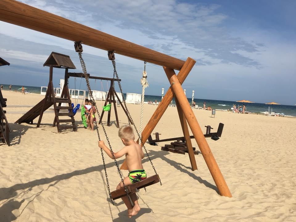 Пляж у «Виллы Лео»