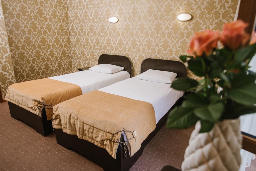 Двухместный номер в отеле «Золотая корона»