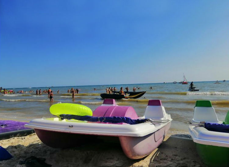 Катамарани для морських прогулянок