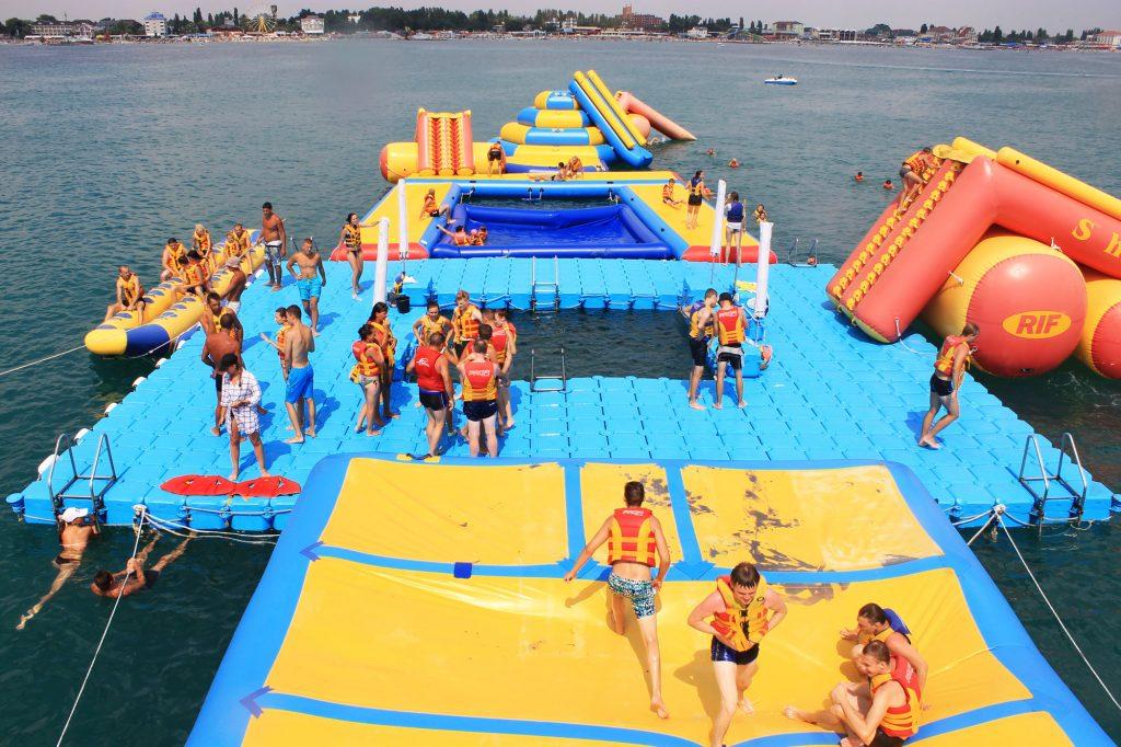 Острів розваг на воді «Лонг Айленд», Залізний Порт