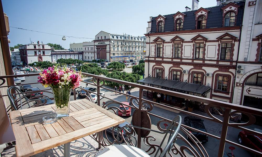 Номер с террасой в бутик-отеле «Palais Royal»