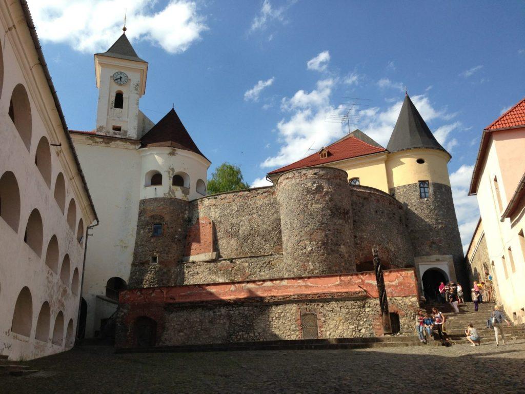 Замок Паланок внутри