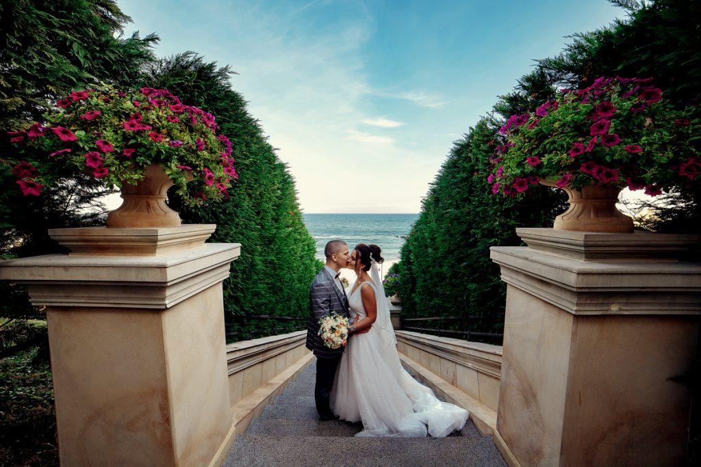 весільна фотосесія на золотому березі