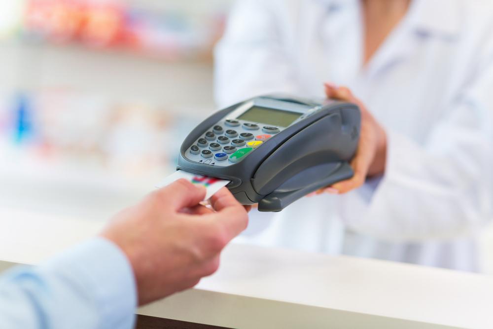 Оплата картой в аптеке