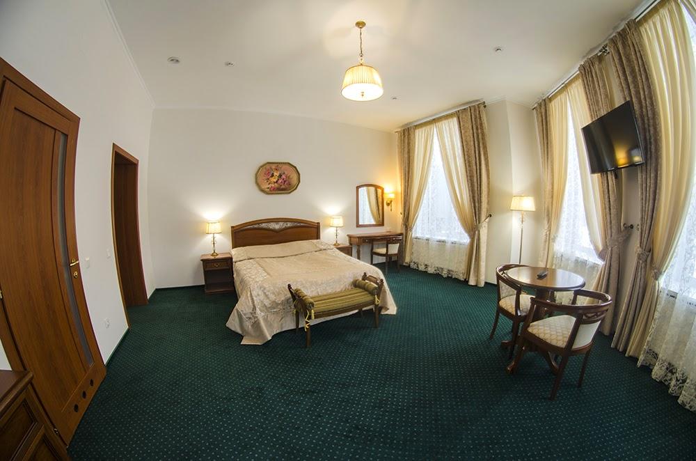 Номер в отеле «Карпатські зорі»