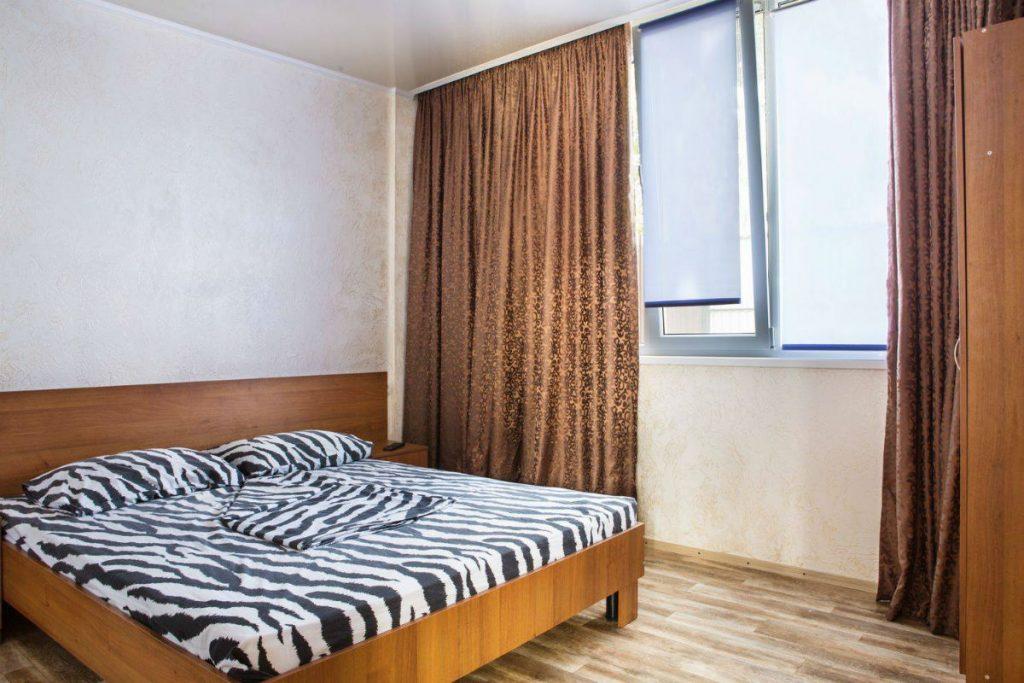 Отель «Пальма»: двухместный люкс номер для отдыха на Черном море в Затоке